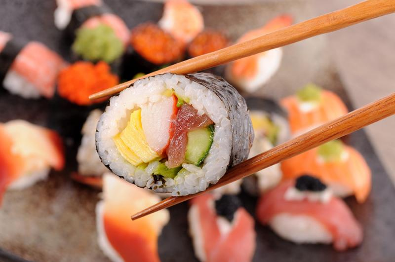 נשי חודשי - סדנת הכנת סושי